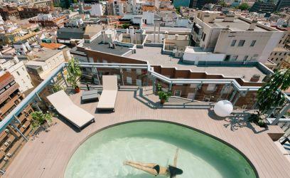 Ez a medencés madridi lakás mai álmodozásunk tárgya