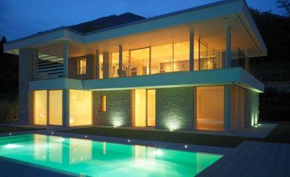 Az Alpokra és a Garda-tóra néz ez a bámulatos olasz ház
